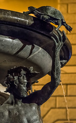 Fontana delle Tartarughe, Roma (jacqueline.poggi) Tags: fontanadelletartarughe fonyainedestortues giacomodellaporta italia italianrenaissance italie italy latium lazio ranaissance renaissancestyle roma rome taddeolanzini theturtlefountain atnight fontaine fontana fountain sculpture