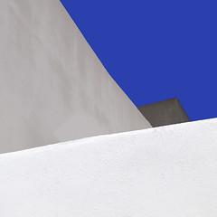 il pomeriggio (caeciliametella) Tags: lorrainekerr photography caeciliametella square stromboli abstract astratto aeolian urban urbano eolie isole islands walls mura blue white grey mediterranean mediterraneo grigio concrete concreto blu azzurro 11