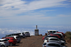 the very last stop (Rasande Tyskar) Tags: taburiente roque de los muchachos parking car park cars las stop heaven himmel autos letzte rast sky clouds peak gipfel la palma mietwagen skywalk wolken über den