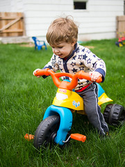 How does this work? (Out of Focus [sic]) Tags: grass outside toddler tricycle nanowes