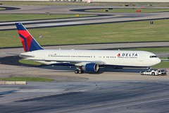 N144DA - Delta Boeing 767-300 (AndrewC75) Tags: atlanta plane airplane airport atl aircraft aviation jet delta airline boeing heavy 767 renaissanceconcourse