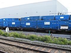 92542 Northenden 201012 (Dan86401) Tags: wagon flat container 92 gmc freight binliner modal northenden kfa intermodal 92542 greatermanchestercouncil standardwagon gmc92542 greatermanchesterbinliner