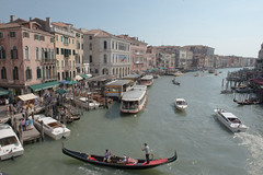 Rialto Bridge (Lisa D Elliott) Tags: venice italy ride gondola rialto gondoliers