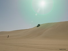 "Adventure in the desert. Through the ""sea of sand"". (Augusta Onida) Tags: sahara canon desert jeep adventure duna deserto augustaonida"