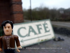 Th Dr Visiting a Cafe