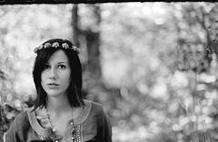 (Stefano☆Majno) Tags: film analog 35mm woods beaty 400 brunette bianco ilford nero alessia stefano pellicola majno thephotographyblog