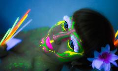 Sesin fotogrfica Luz Negra - Photograph Black Ligh Strobist (gaudiramone) Tags: lightpainting fashion de moda makeup zaragoza blacklight fotografa maquillaje pintandoconluz luznegra fashionsession strobist zaragozamakeup vision:plant=0832 vision:outdoor=0906 vision:flower=079 photoblacklight