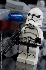 Clone trooper (Pedro Nogueira Photography) Tags: toys photography miniature starwars lego bricks brinquedos clonetrooper miniaturas minifigures 75028 pedronogueira pedronogueiraphotography microfighters