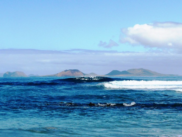 ... Glassy surf in San Juan Beach 6d0073526f0