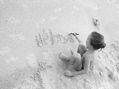 Hlose (ByKarine) Tags: beach sand sable plage plonge crire fillette