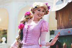 Rapunzel (Princess Shea) Tags: disney disneyworld waltdisneyworld rapunzel magickingdom tangled disneyprincess disneyparade facecharacter facecharacters festivaloffantasyparade festivaloffantasy tangledunit