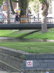 Space Invader RTD_21 (tofz4u) Tags: street people streetart holland tile rotterdam kiss kissing mosaic spaceinvader spaceinvaders thenetherlands invader nl rue paysbas baiser mosaque artderue reactivated rtd21 restaur