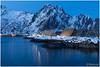 Evening in Svinøya (HP024634) (Hetwie) Tags: winter water visitlofoten snow sneeuw sea natuur nature blauweuurtje evening kathedralen codfish stokvis svinã¸ya zonsondergangsea zee bergen noorwegen norway ice landscape landschap lofoten mountains svolvaer nordland svinøya fjorden