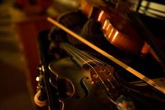Mec Lir's fiddles backstage. (photo: Steve Wadden)