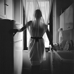 April-Lea_005 (patofoto) Tags: blackandwhite bw woman 6x6 film square kodak trix hasselblad squareformat diafine artisticnude femenine hasselblad203fe