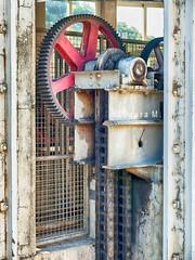 Maquinaria (la_magia) Tags: espaa spain gear chain rueda gearwheel sprocket cadena maquinaria dientes machinary e510 engranaje zd1454mm olympuse510 ruedadentada