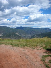 (hopekinney) Tags: nature landscape scenery colorado hiking trail summertime mountainview highaltitude naturephotography clearday reddirt redmountainroad