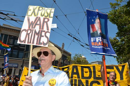 2013/06/30 Free Bradley Manning at SF Pride Parade