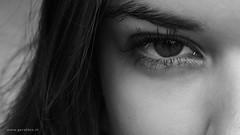 Determined (Geraldos ) Tags: portrait woman milan girl beautiful beauty look thanks 50mm licht eyes nikon mood chica natural expression milano streetportrait naturallight stranger milaan solo looks mooi bella determined ogen augen vrouw blik mdchen ragazza desconocido d800 streetshot puur sconosciuto vastberaden intenselook carlzeiss onbekende naturel expressie intens meid bedankt unbekannter vreemde espressione mdel natuurlijklicht geraldos bestimmt natrlicheslicht jongevrouw geraldemming carlzeiss50mmplanart vooruwtijd thanksforpassingby 30secondsproject