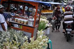 (relan's terraces) Tags: festive market jakarta ramadhan timur lebaran ied mudik mubarak moslem shalat 2013 buaran