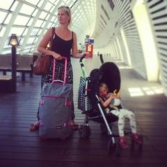 Travelling. #packyourbagandcarryon #pink #eastpak (Fredonis) Tags: travelling packyourbagandcarryon pink eastpak