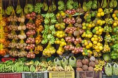 Fruits Exotiques (Montre ce qu'il voit!) Tags: streetphotography leticia colombie photoderue fruitsexotiques pentaxk5 ilobsterit julienvidal
