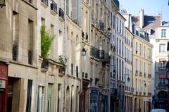 Faades du Marais (Bee.girl) Tags: paris france marais 75003 2013