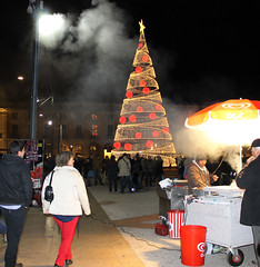 Christmas and Roasted Chestnuts (SarahMagic) Tags: christmas portugal natal do lisboa lisbon chestnuts chestnut praa paco pao roasted praca comercio terreiro comrcio castanhas assadas