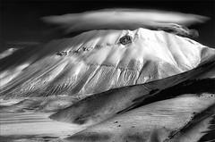 The cloud factory (Arunte) Tags: winter italy mountain snow clouds nikon italia nuvole neve inverno montagna appennino d800 apennines montisibillini montevettore castellucciodinorcia pianodicastelluccio nubilenticolari marcofrancini arunte marcofranciniphotography