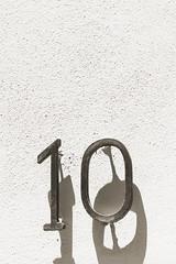 un diez!! (Marin ;)) Tags: sombra bn number ten nmeros diez