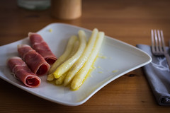 Spargel (chrisar676) Tags: food vegetables canon recipe eos essen plate ham butter asparagus teller gemüse spargel schinken 60d
