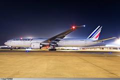 CDG | B777-300ER Air France | F-GZNI (Mickaël CASTAING) Tags: cdg charlesdegaulle roissycharlesdegaulle roissy lfpg airfrance fgzni b777300er b77w 77w 777300er boeing af afr afr406 scl af406
