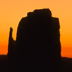 1989 - United States (bs_1925) Tags: landscape monumentvalley top themittens
