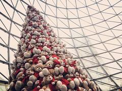 Teddy bear Christmas tree (VillaRhapsody) Tags: christmas tree treddybear toy lots many loads palladium