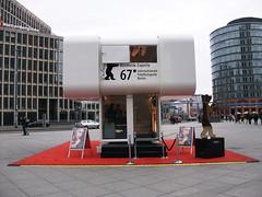 Berlinale(베를리날레) (ott1004) Tags: berlin berlintvtower streetart spree reichstag 베를린중앙역 kanzleramt bellevue gerickesteg funkturmberlin berlinradiotower 포츠다머플라츠 베를린소니센타 베를리날레 berlinale