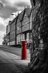 Fluted (Mad_m4tty) Tags: city red blackandwhite bw color mono town box pillar historic postbox warwick selective fluted