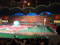(gavsherry+gen) Tags: show amazing kimjongil northkorea pyongyang dprk juche kimilsung massgames