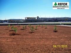 APERTURA HOYOS Y PLANTACION CIRCUITO DE CHESTE POR REGENERACIO FORESTAL S.L. para la Fundacin REPSOL Dorna Sports y WCAFI (World Clean Air Forest Initiative) en la campaa de plantacin de arboles en Espaa y Haiti F12 (JOAQUIN PERALES MARTINEZ - REFOR S.L.) Tags: erosion medioambiente forestales forestal jardineria biodiversidad cortafuegos vertedero adif infraestructuras ecosistema obraspublicas revegetacion regeneracio enagas plantaciones taludes responsabilidadsocialcorporativa tragsa aenor silvicultura maquinariaforestal refor agroforestal vaersa repoblacionforestal trabajosforestales granpremiomotociclismo tractoragricola wcafi maquinariaagraria franjadeseguridad terremotohaiti trinter dornasports mantenimientoinfraestructuras forestalsl reforsl controlerosion joaquinperalesmartinez cuencahidrografica regeneracioforestalsl cuencashidrograficas hidrosiembrarefor prevencionincendiosforestales jardineriaimagenes controldelavegetacion controlvegetacion estabilizaciondetaludes restauracionmedioambiental tractordeorugas granpremiomotociclismocheste tractorforestal fundacionrepsol proyectoagroforestalhaiti worldcleanairforestiniciative ahoyadoraforestal aperturahoyosmecanizada maquinariajardineria plantacionforestal plantacionagraria videoplantaciones trabajostragsa apertutadehoyosforestales regeneracionforestal trabajossilvicolas selvcultura maquinariareforsl restauracionmedioambientalcaucesfluvialesycuencashidrograficas repoblacionforestalenagas worldcleanairforestinitiative granpremiomotociclismojerez granpremiomotociclismoalcaiz granpremiomotociclismomontmelo