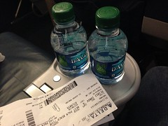 Flying Delta First Class (sfPhotocraft) Tags: delta bottledwater waters dl firstclass 2013 pbiatl