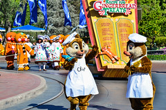 ACF - Chip and Dale (EverythingDisney) Tags: dancers dale disneyland gingerbread disney parade chip performers filming dlr bakers acf achristmasfantasy