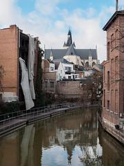 Mechelen Canal View (trm42) Tags: brick church buildings canal belgium mechelen kirkko redbrick kanaali belgia rakennukset molines punatiili