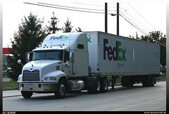 """Mack Vision """"FedEx Ground"""" (uslovig) Tags: ohio usa truck ground vision lorry camion oh express fedex mack federal sleeper pinnacle lastwagen lkw laster lastkraftwagen brecksville"""