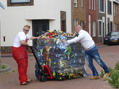 tatters dudle or frazzle (Alta alatis patent) Tags: men recycling frazzle ijmuiden tatters dudle