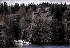 Remains (glomacphotos) Tags: scotland lochoich invergarrycastleremains