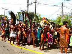 "festividad tamil • <a style=""font-size:0.8em;"" href=""http://www.flickr.com/photos/92957341@N07/9165730380/"" target=""_blank"">View on Flickr</a>"