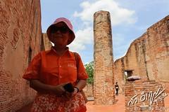 วัดมเหยงคณ์ นักท่องเที่ยวสาวสวยเสื้อส้ม