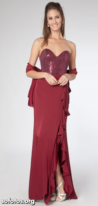 Vestido de festa vinho com paetê