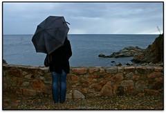 La noia sota la pluja, Tossa de Mar (Jess Cano Snchez) Tags: sea espaa girl rain clouds canon mar lluvia spain mediterranean mediterraneo chica catalonia nubes catalunya noia catalua eos20d nuvols nwn tossademar laselva mediterrania espanya pluja marenostrum tamron18200 elsenyordelsbertins gironaprovincia