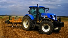 New Holland T 7050 (41Flo) Tags: new holland de la farmers travail terre agriculture ferme tracteur cnh t7050