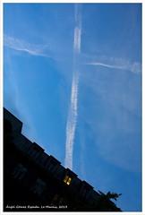SIGNAL [LE MARAIS, PARIS] (RUA DOS ANJOS PRETOS) Tags: paris france cruz marais croix